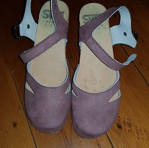 Sven pink Mary Jane clogs